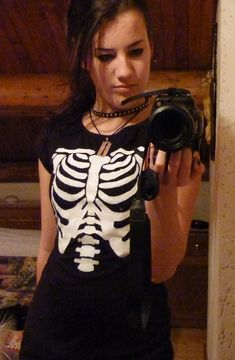 Skeleton T Shirt • Free tutorial with pictures on how to make a top in under 60 minutes