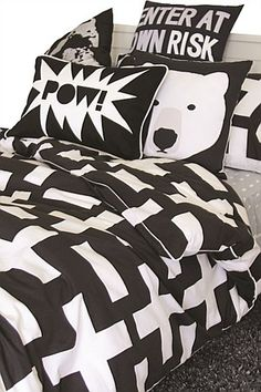 This strong masculine but simple design is super cool. Crosses & blocks of white on a charcoal background, create a composed & elegant duvet cover for any age group; especially appealing to teenagers. Add a pop of colour – lime, orange or yellow. Duvet Covers Nz, Girls Duvet Covers, Quilt Cover Sets, Kids Sheet Sets, Kids Sheets, Batman Bedroom, Kids Blankets, Toddler Rooms, Duvet Sets