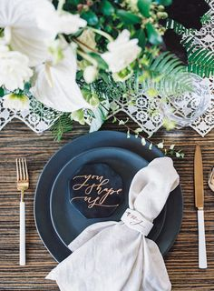 Modern place setting inspiration for a rehearsal dinner. Photography by Jen Wojick Photography. Wedding Table, Our Wedding, Dream Wedding, Wedding Receptions, Wedding Paper, Wedding Things, Wedding Bride, Wedding Ceremony, Wedding Stuff