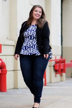 Plus Size Fashion: Add a black blazer to a pair of dark denim for a polished look.
