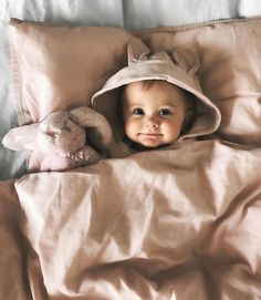 Baby clothes should be selected according to what? How to wash baby clothes? What should be considered when choosing baby clothes in shopping? Baby clothes should be selected according to … So Cute Baby, Lil Baby, Baby Kind, Little Babies, Baby Love, Cute Kids, Adorable Babies, Baby Girls, The Babys