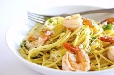 Garlic Shrimp Spaghetti: Just tried this, it was really good. Nice alternative to regular pasta. Next time could use more garlic. Shrimp Spaghetti, Garlic Shrimp Pasta, Prawn Linguine, Pesto Pasta, Pasta Salad, Spaghetti Squash, Seafood Dishes, Pasta Dishes, Seafood Recipes
