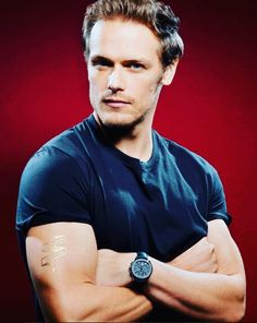 samheughan A fav from @comic_con and the countdown to Season 3!
