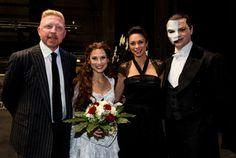 Endlich zurück! DAS PHANTOM DER OPER feiert glanzvolle Galapremiere in Hamburg   News   Das Phantom der Oper, Hamburg