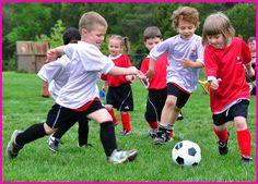 Tweedot blog magazine - festa della donna ragazzina calcio