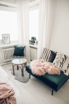 Tickle Your Fancy - Blogi | Lily.fi Ottoman, Fancy, Couch, Throw Pillows, Blanket, Chair, Bedroom, Furniture, Lily