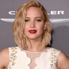 Jennifer Lawrence Body Measurements, Height & Weight. Jennifer Shrader Lawrence is an American stunning actress. Lawrence was born in Indian Hills, Kentucky, United States on 15 August 1990.