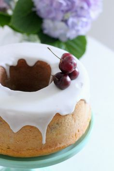 Una torta sofficissima grazie alla ricotta e con un bassissimo contenuto di grassi, La cottura nella pe...