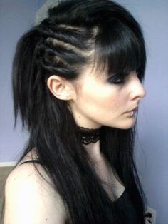 18 Amazing Gothic Hairstyles for Shoulder Length Hair with Bangs Shoulder Lenght Hair Amazing Bangs Gothic Hair hairstyles length shoulder Gothic Hairstyles, Short Hairstyles For Women, Hairstyles With Bangs, Cool Hairstyles, Gyaru, Shoulder Length Hair With Bangs, Medium Hair Styles, Short Hair Styles, Goth Hair