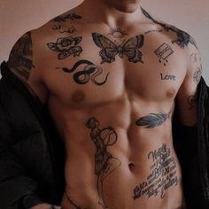 Boy Tattoos, Dream Tattoos, Tattoos For Guys, Tatoos, Ma Tattoo, Chest Tattoo, Elle Kennedy, Aesthetic Tattoo, Bad Boy Aesthetic