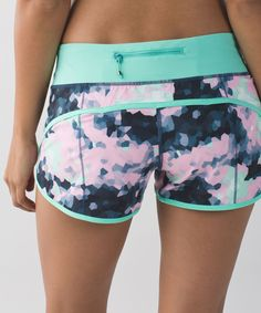 RUN Speed Short from Lululemon - Awesome patterns and colors! diet workout running Dance Outfits, Sport Outfits, Cute Outfits, Workout Attire, Workout Wear, Workout Outfits, Workout Fitness, Workout Shorts, Athletic Outfits