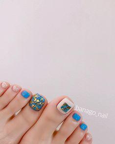 ⭐️5월 이달의아트⭐️ 진짜 시원시원해 보여.. 발리가신다구했나....? 요즘  관리 받으시는분들 다 부러워요.. 다 놀러가... 🌊🏄🏼♀️✈️ . . . ✔️ @lacena_nail_systems ✔️ @arco_gel . . . . 🧐바나고… Pedicure Designs, Pedicure Nail Art, Toe Nail Art, Nail Art Diy, Mani Pedi, Nail Designs, Feet Nails, 3d Nails, Love Nails