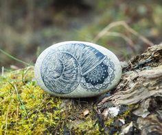 He encontrado este interesante anuncio de Etsy en https://www.etsy.com/es/listing/197964349/mandala-art-mandala-shell-mandala-stone