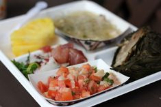 Lomi Salmon | Traditional Hawaiian Food Tasty Dishes, Food Dishes, Food Food, Traditional Hawaiian Food, Healthy Cooking, Healthy Food, Eating Plans, Nutritious Meals, Fruits And Veggies