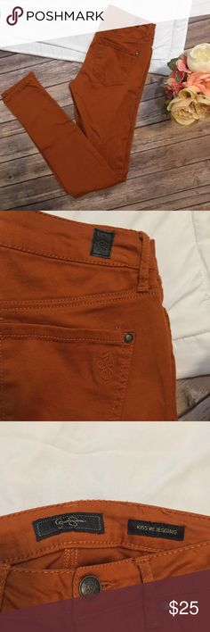 "Jessica Simpson Kiss Me Skinny Jeggings Size 26 Gorgeous burnt orange color! Perfect for fall! Approximate measurements- waist: 26""    Hips: 29""    Front rise: 8""   Outseam: 38""    Inseam: 30.5""    Leg opening: 5"" Jessica Simpson Pants Skinny"
