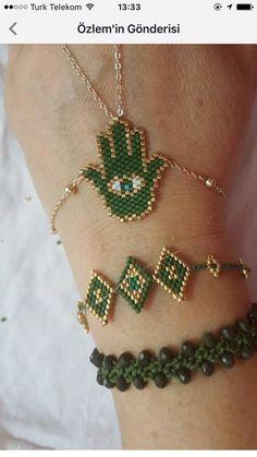 Mom Jewelry, Seed Bead Jewelry, Jewelry Making Beads, Beaded Bracelet Patterns, Woven Bracelets, Handmade Bracelets, Diy Jewelry Inspiration, Beads And Wire, Bead Earrings