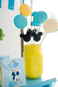 Festinha infantil, Tema mickey, Decoração Marcia Mesquita Mickey 1st Birthdays, Mickey Mouse 1st Birthday, Winnie The Pooh Birthday, 2nd Birthday Boys, First Birthday Parties, Birthday Party Themes, Birthday Ideas, Festa Mickey Baby, Mickey Party