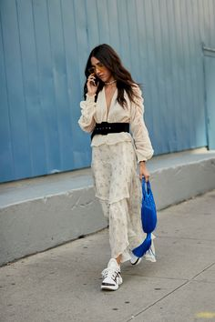 Top 10 The Best Spring 2019 Street Style Trends From New York Fashion Week 2018 Street Style Trends, New York Street Style, Spring Street Style, Grunge Outfits, Trendy Outfits, Fashion Outfits, Fashion Trends, Fashion Ideas, How To Have Style