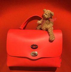 Christmas Mood Postina® M Original Silk col. Cardinale Shop online now!