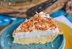 Truly the BEST Coconut Cream Pie EVER! This is my Dad's favorite pie and it is truly amazing! Made with coconut milk for extra creamy, coconut flavor! The custard. And I totally made it in the microwave. // Mom On Timeout Pie Dessert, Dessert Recipes, Best Coconut Cream Pie, Pie Coconut, Just Desserts, Delicious Desserts, Cooking With Coconut Milk, Best Key Lime Pie, Almond Joy Cookies