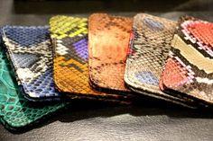 Porte-monnaie façon python chez La Classeuse à Talons à Saint-Étienne