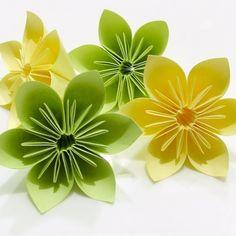 origami facile fleur, des fleurs en vert et jaune