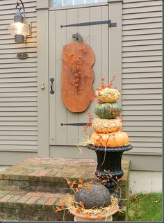 Make large Pumpkin shape for front door. A Primitive Place.