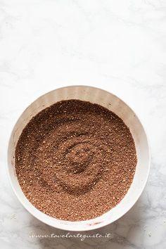Biscotti polverizzati con cacao e zucchero - Ricetta Rotolo senza cottura al cioccolato Yummy Cakes, Tiramisu, Cheesecake, Nutella, Food And Drink, Ethnic Recipes, Desserts, Cacao Amaro, Semi