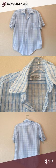 Vintage 1970's Kmart plaid men's shirt, S This vintage men's shirt would be so cute worn as a women's shirt tucked into some boyfriend denim! It's a small men's but can be worn oversized on a women's S or fitted on a M Vintage Tops Button Down Shirts