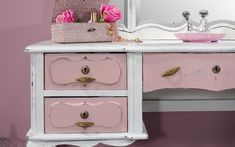 Glamour - We love old furniture Old Furniture, Dresser, Vanity, Glamour, House, Home Decor, 1970s, White Roses, Dressing Tables
