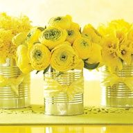 Country-chic vase: Place bunches of farmers-market flowers (like hyacinths, ranunculus, and daffodils) in recycled tin cans and tie with gingham ribbon. Flower Centerpieces, Wedding Centerpieces, Wedding Table, Wedding Bouquets, Wedding Decorations, Table Decorations, Yellow Centerpieces, Flowers Vase, Flowers Decoration