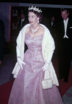 Royal Family Around the World: As Queen Elizabeth II celebrates her birthday, Let's looks back at some of her most Iconic Style Moments, April 2016 Die Queen, Hm The Queen, Royal Queen, Her Majesty The Queen, Queen Mary, Queen Elizabeth Birthday, Queen Elizabeth Ii, Prinz Philip, Sparkly Gown