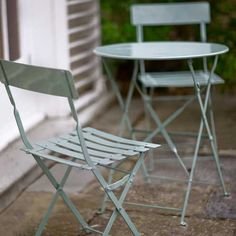 Come rain or shine our Bistros are perfect for balconies, patios, gardens, or to take to the beach or camping.