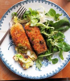 Recipe for these vegetarian Selsig Morgannwg (Glamorgan Sausages, or Poor Man's sausages). Great for St. David's Day. Of all the Welsh recipes I've tried, so far this one is my favorite!