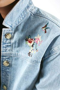 Channel elegant '90s vibes in this MOTO embroidered denim jacket. In a boxy fit, it features pretty floral embroidery and comes finished with a button down placket and pockets. #Topshop