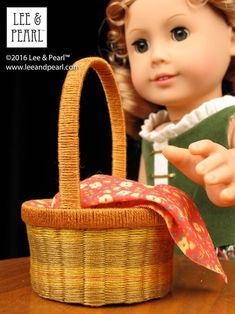 Happy Easter from Lee & Pearl! Make beautiful baskets for your 18 inch / American Girl dolls using inexpensive ribbon or embroidery floss, card stock and Lee & Pearl's FREE tutorial and printable package. American Girl Accessories, Doll Accessories, Printable Crafts, Free Printable, Pearl Crafts, American Girl Crafts, Popular Crafts, Felt Bunny, Doll Costume