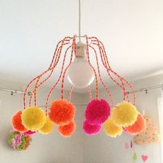 DIY Pom Pom Lamp by Creamalice DIY- cute idea- might tone it down a tiny bit Pom Pom Crafts, Yarn Crafts, Sewing Crafts, Diy And Crafts, Diy For Teens, Diy For Kids, Diy Lustre, Recycler Diy, Creative Workshop