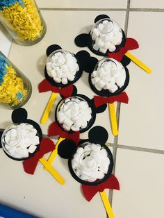 Dulceros Mickey Mouse, Mickey Mouse Christmas, Mickey Mouse Parties, Baby Mickey, Mickey Party, Minnie Mouse Birthday Decorations, Mickey Mouse Decorations, Minnie Mouse First Birthday, Mickey Mouse Birthday