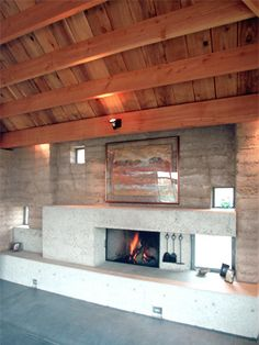 Rammed Earth Homes living room love how open it feels Rammed Earth Homes, Rammed Earth Wall, Sustainable Architecture, Residential Architecture, Contemporary Architecture, Earthy Home, Off Grid House, Earth Design, Home Inc