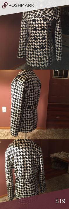 BLACK & WHTE CHECKED COAT, L,cute as can 🐝 Rue 21 Cutest coat from Rue 21, size Large, black  and white checked, double breasted , lines to define,, big black buttons, belt in back , small hole in pocket, priced with that in mind, good used condition has been worn Rue 21 Jackets & Coats Pea Coats