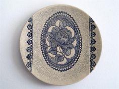 Sieh dir dieses Produkt an in meinem Etsy-Shop https://www.etsy.com/de/listing/232218532/blue-rose-keramik-kunst-wand-skulptur