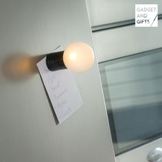 Calamita LED Lampadina Gadget and Gifts Gadget and Gifts 2,70 € https://shoppaclic.com/illuminazione-led/30060-calamita-led-lampadina-gadget-and-gifts-7569000783496.html