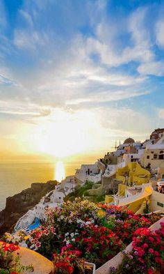 The most idyllic sunset in the world ! Santorini Island (Cyclades), Greece | Adriana Yampey Photorgaphy