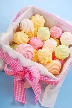 Chocolate y donuts Meringue Cookies, Cake Cookies, Cupcake Cakes, Meringue Kisses, Pavlova, Low Carp, Macaroons, Cakes And More, Sweet Recipes