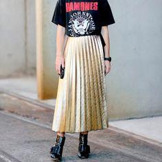 street-style-saia-midi-dourada-metalizada
