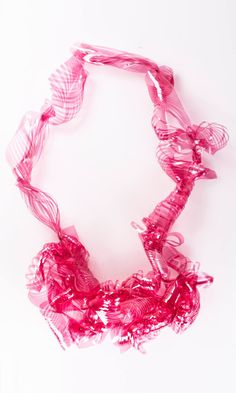 Clara Nguyen -  Necklace made during Jorge Manilla workshop. Photography by Prisca Di Metallo Editing by Sasha Grishina  - JOYA 2016 (done with the plastic that change colors of projectors, said Lucia Massei ...)