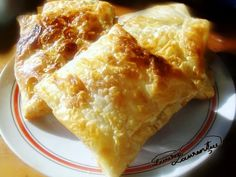 Traditional Romanian pastries - we love nature and we know that you enjoy eating only fresh and healthy food Romanian Food, Romanian Recipes, Good Food, Yummy Food, Healthy Food, Biscuits, European Cuisine, Pastry And Bakery, International Recipes