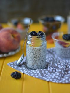 Colors in the Kitchen: Chia puding Chia Puding, Chia Seeds, Panna Cotta, Keto, Pudding, Colors, Breakfast, Ethnic Recipes, Kitchen