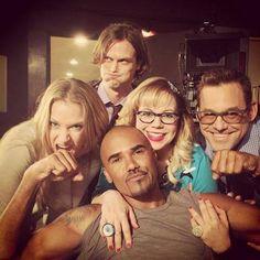 Shemar, A.J., Matthew, Kristin and Nicholas ~  Criminal Minds being goofy