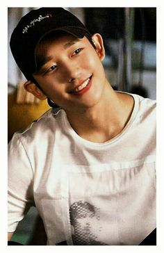 Jung Hae-In Asian Celebrities, Asian Actors, Korean Actors, Shahrukh Khan, Turkish Actors, While You Were Sleeping, Pretty People, Kdrama Actors, Pretty Boys